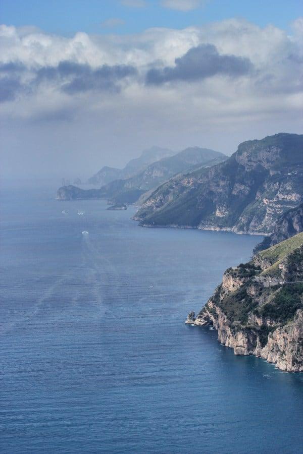 amalfi trekking amalfi wanderweg blick bis nach capri