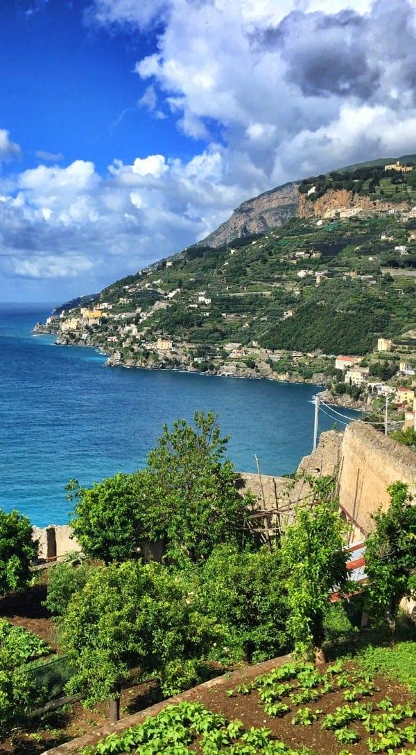 Amalfi Wanderung Etappe 2 Ausblick vom Sentiero dei Limoni