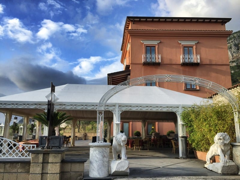 The Antico Casale Russo is primarily designed for wedding celebrations, but you can also spend the night there