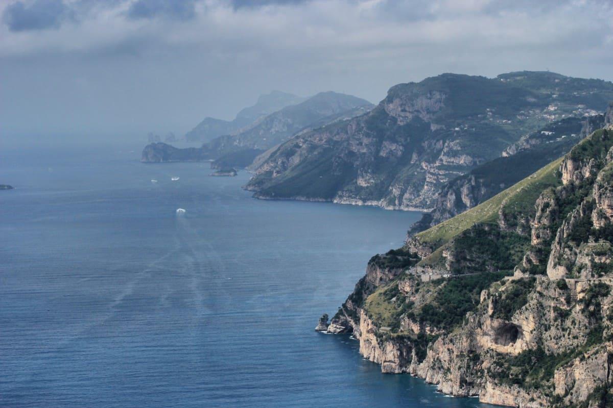 Panorama bis nach Capri Wandern auf dem Götterpfad Sentiero Degli Dei