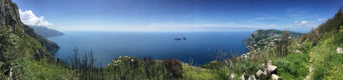 Vista panoramica sulla costiera amalfitana meravigliosa breve escursione al Monte Vico Alvano